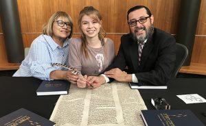 1018_4_STICKY-FEATURE_Torah